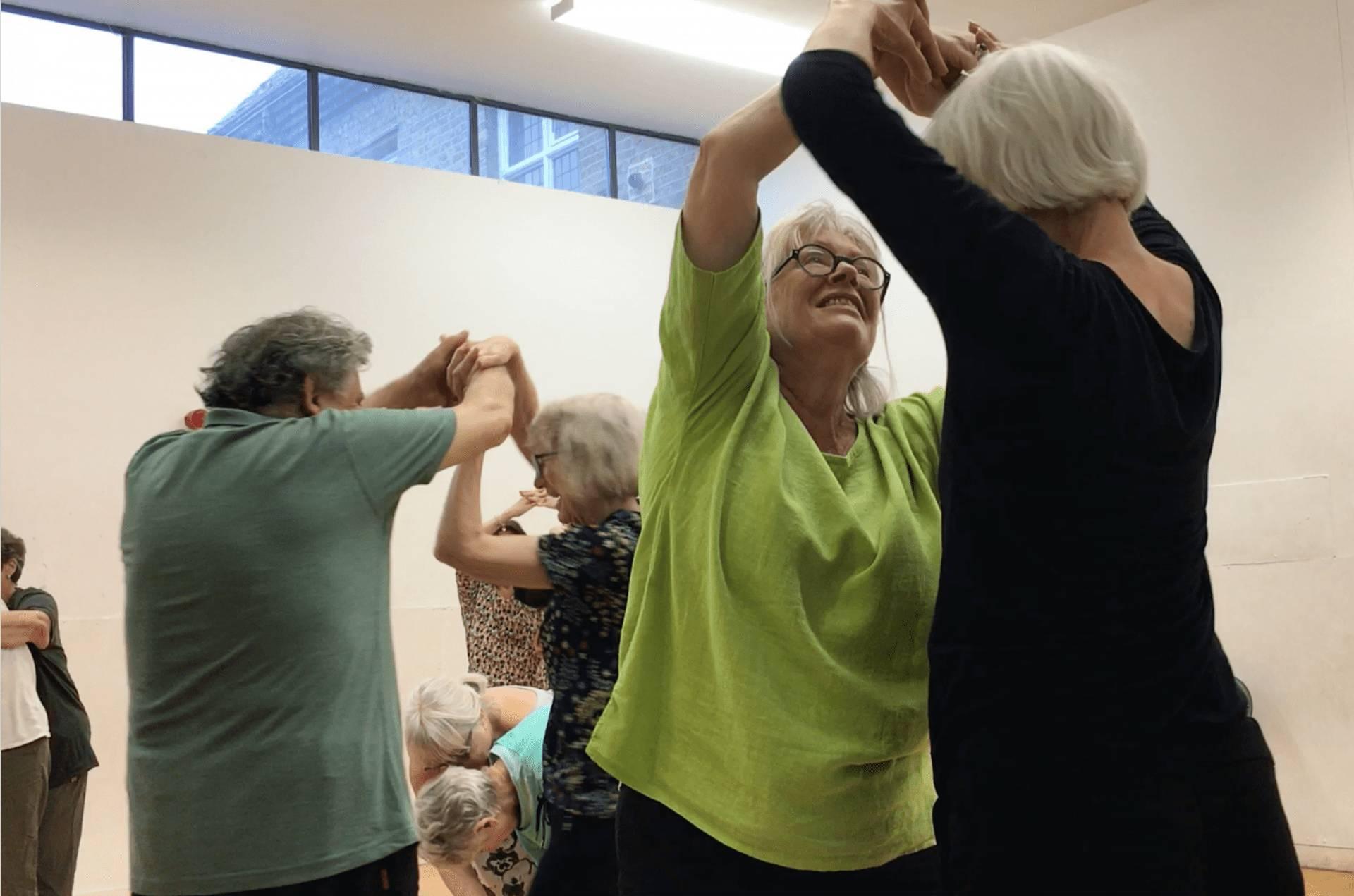 Fluid Boundaries – community contemporary dance performances responding to architectural landmarks.
